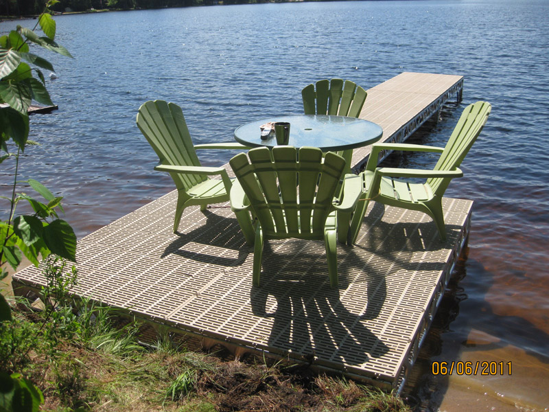 4′x8′ CanadaDocks™ Aluminum Dock Complete Kit with 1′-4′ legs