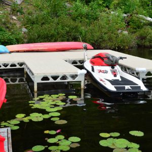 CanadaDocks F dock with Thruflow decking and 1500lb boat lift