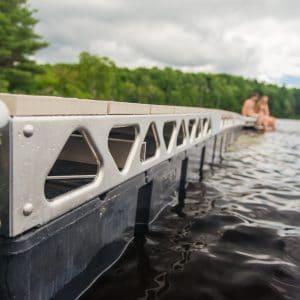 CanadaDocks floating aluminum dock