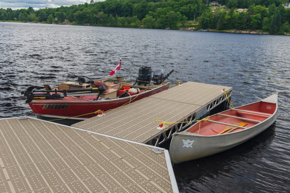 CanadaDocks floating hexagon with extension and ThruFlow decking