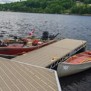 CanadaDocks floating hexagon and 4x4 extension with boats and cleats