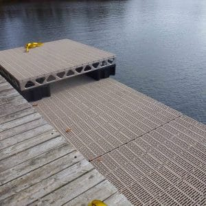 CanadaDocks floating dock sections