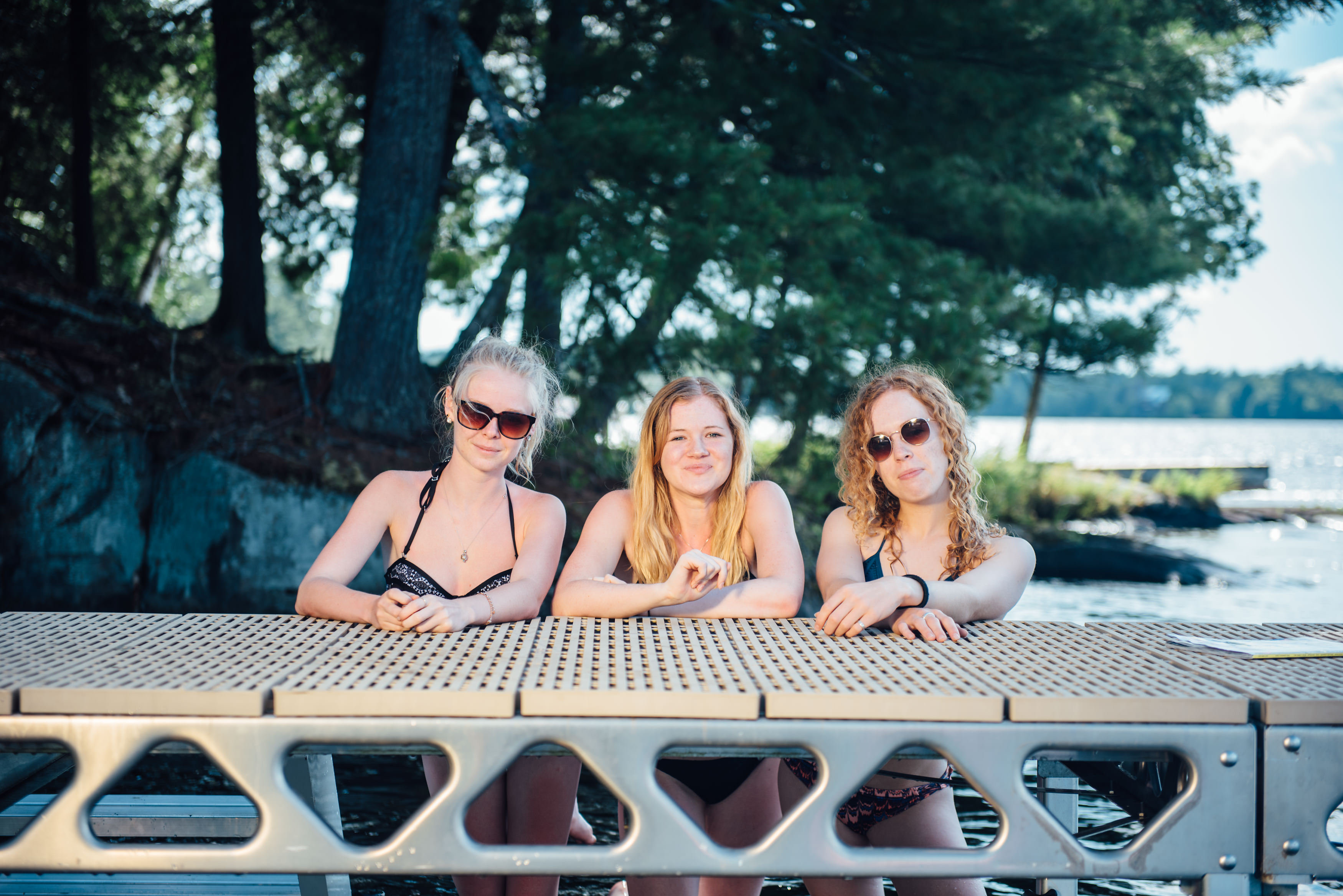 CanadaDocks Standing dock and girls