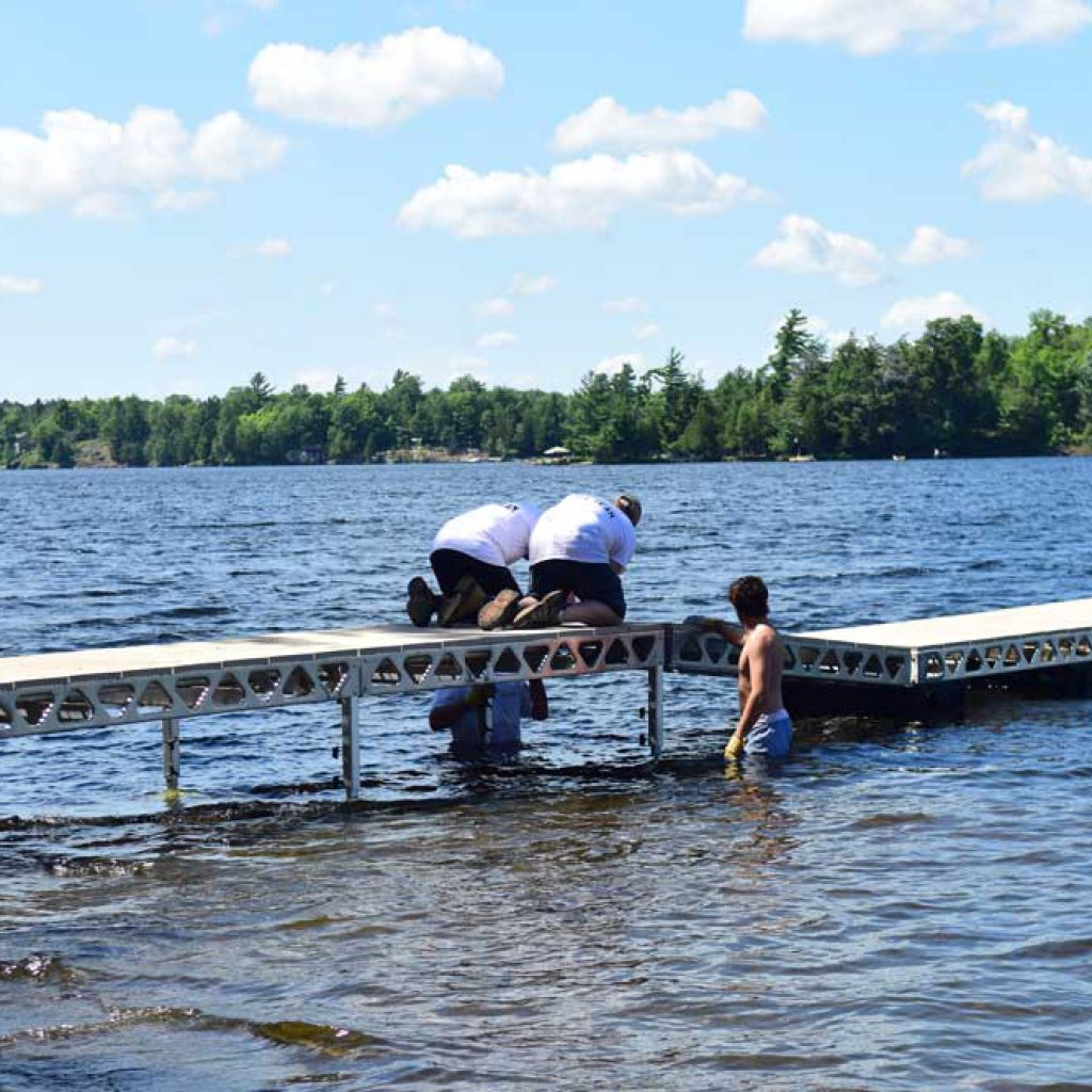 Connecting a ramp to transition between CanadaDocks Standing and floating docks