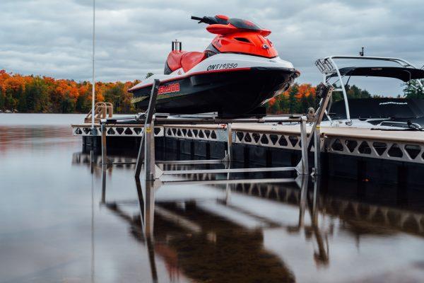 CanadaDocks 1200lbs boat lift