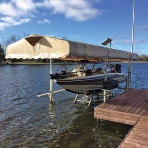 CanadaDocks Hydraulic Boat Lift