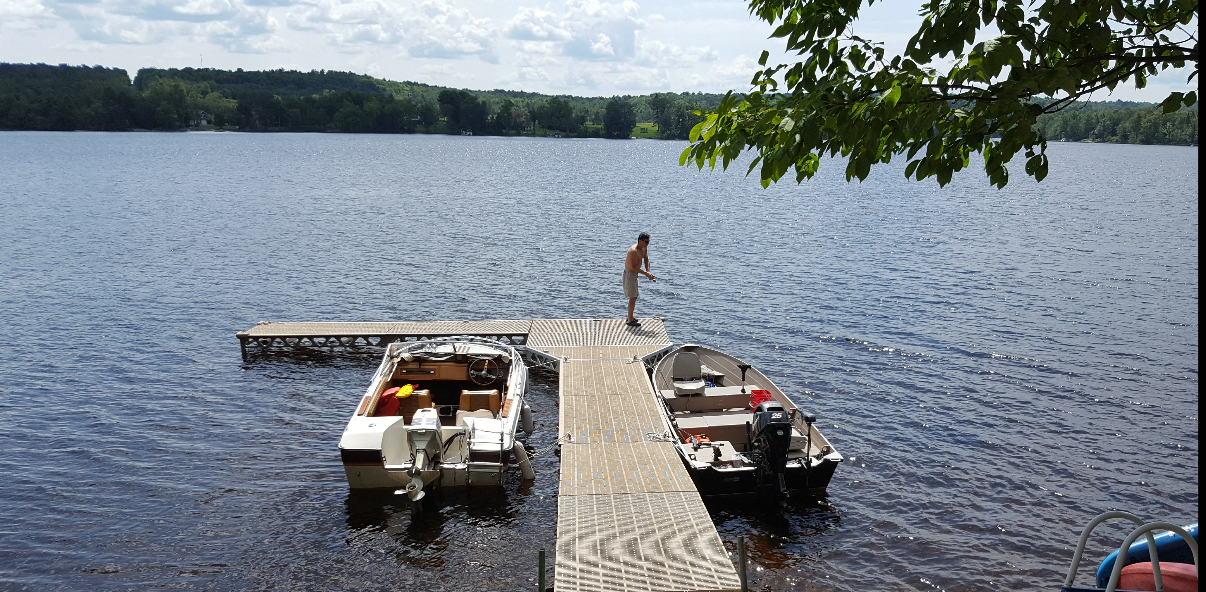 CanadaDocks Dock on Restoule Lake